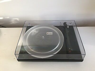 Pro-ject Debut Carbon Esprit Turntable. Record Player /Vinyl Player
