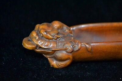 Antique Rare Old netsuke Boxwood Handwork  toad with c0in Collectible Tea Shovel