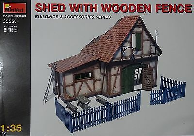 MINIART #35556 Shed With Wooden Fence / Hütte mit Holzzaun in 1:35