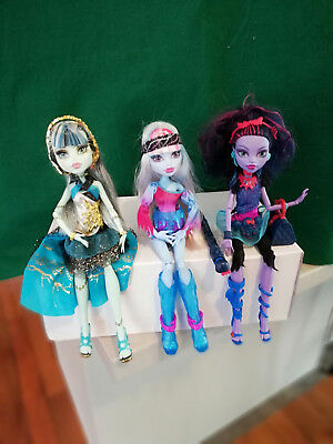 Bulk Monster High dolls x in good condition - Frankie, Abbey and Jane Boolittle
