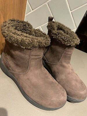 LL Bean Tek 2.5 Womens 8 Brown Suede Insulated Water Proof Winter Slip On Boots
