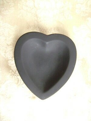 18Th Or 19Th Century Wedgwood Black Basalt Jasperware Heart Shaped Pin Dish