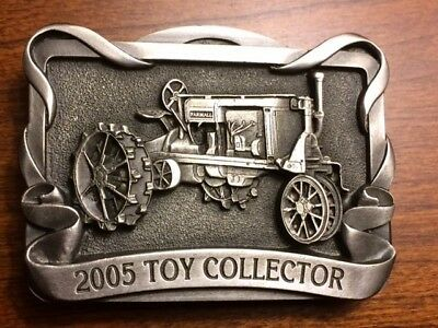 FARMALL REG Tractor - Belt Buckle Ltd Ed #121 4th in A Series 2005Toy Collector