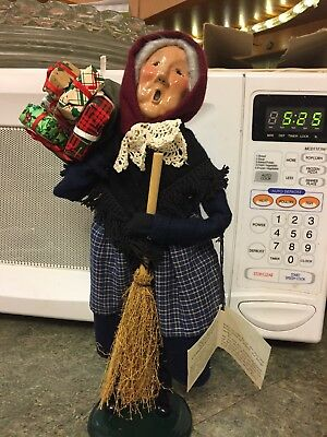 Vintage Byers Choice Old Befana Christmas Witch 1995 Carolers ! With Tag !