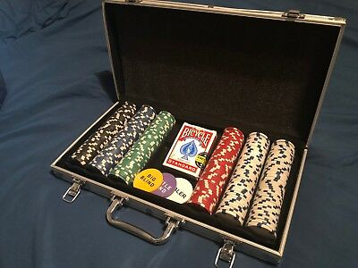 Poker Set 300 piece with metal carry case. Red Bicycle Standard cards included.