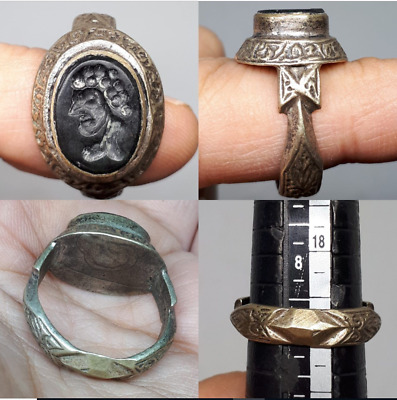 Rare and beautiful antique/medieval bronze RING with natural stone intaglio