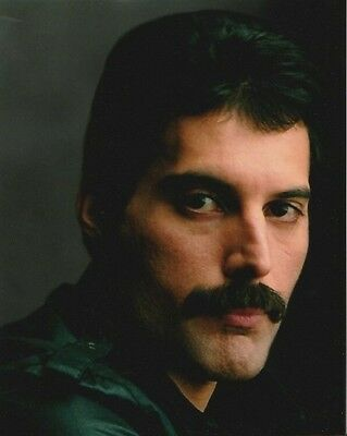 Freddie Mercury UNSIGNED photograph - Lead Singer with Queen - R11
