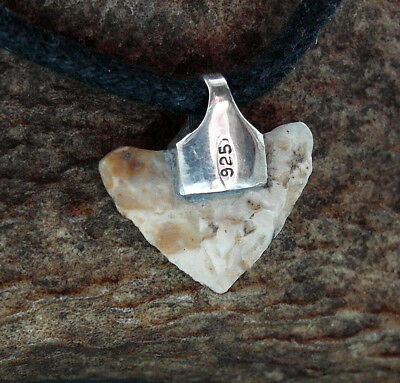 ELF-SHOT - SUPERB GENUINE NEOLITHIC FLINT ARROW HEAD in silver - circa 4000AD