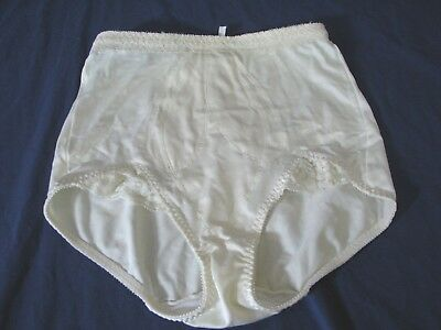 BALI Vintage TUMMY CONTROL SHAPING BRIEF Shaper Girdle 9706 IVORY sz M
