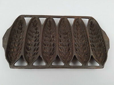 Cast Iron Griswold No.639 Crispy Wheat Stick Pan Number 28