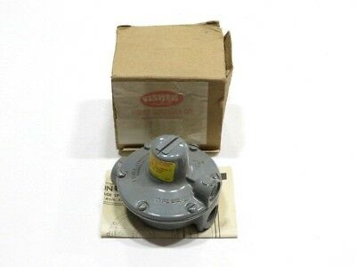 Fisher Controls Type 912 Pressure Valve Regulator NEW IN BOX