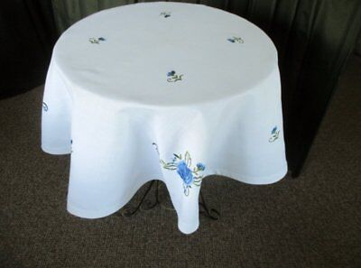 """PRETTY ROUND TABLECLOTH with EMBROIDERed BLUE FLOWERS - 52""""DIA"""