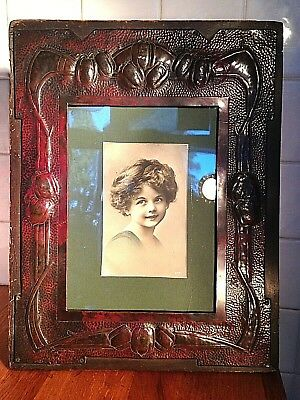 An Original Arts & Crafts Movement Red Patinated Brass Photo Frame - Art Nouveau
