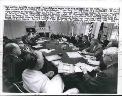 1965 Press Photo President Johnson meets with his Cabinet at the White House.