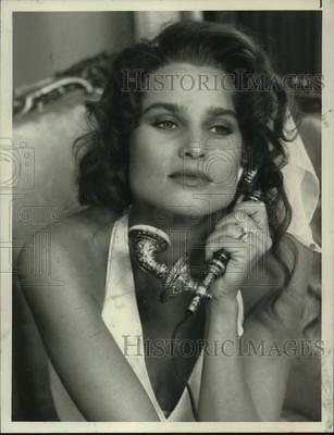 "1990 Press Photo Actress Nicollette Sheridan in ""Jackie Collins' Lucky/Chances"""
