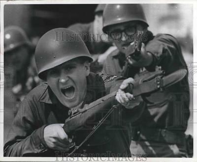 1966 Press Photo Wisconsin National Guard - Roger Erickson and Mark Evenson