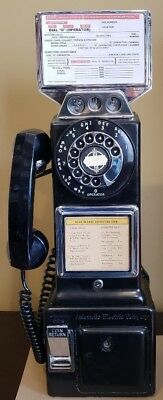 1940s antique Automatic Electric payphone 3-slot coin payphone. Fully functional