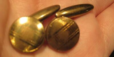 Goldtone Cufflinks Vintage Pair Made in England Foreign Patent 413063