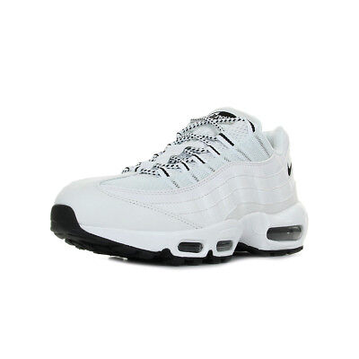 outlet store 972d9 a8148 Chaussures Baskets Nike homme Air Max 95 taille Blanc Blanche Cuir Lacets