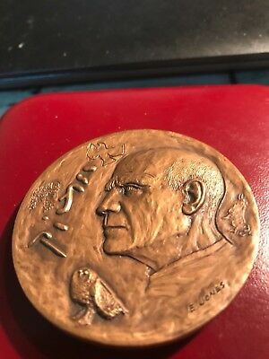 Pablo Picasso 3 French/Spain medals collection in bronze / big medals