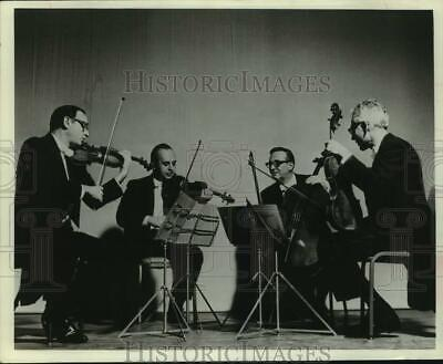 Press Photo Four Members of the Lasalle Quartet perform on stage - sap06986