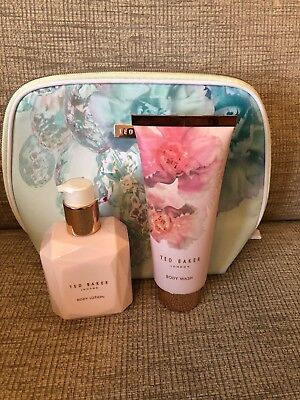 Ted Baker Pale Green Floral  Wash Bag & Toiletries NEW