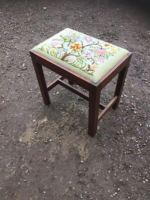 Vintage Traditional Dressing Table  Fireside Stool Old Tapestry Seat  4/2/T