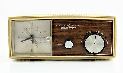 General Electric Solid State Clock Am Radio 1960's Vintage