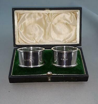 Ste Silver Walker & Hall Boxed Pair Of Napkin Rings. Sheffield Hallmarks c1918.