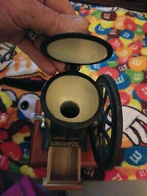 Universal Housewares Gourmet Cast Iron Coffee Grinder Vintage Style Mint Cond.