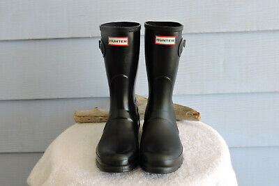 08986a886dc0c9 HUNTER WOMEN S ORIGINAL Short Rain Boots  Black Matte. Size 8 ...