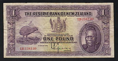 NEW ZEALAND P-155. (1934) 1 Pound - Lefeaux.. Prefix 1B..  aVF