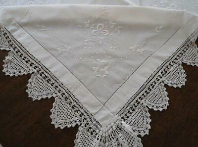 Antique Heirloom White Shamrock Embroidered Tablecloth Filet Crochet Lace
