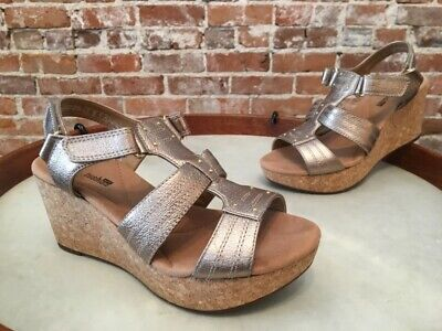 f40c30d49cb Clarks Gold Leather Annadel Orchid T-Strap Wedge Sandals 6.5 W Sale