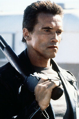 Terminator 2: Judgment Day Arnold Schwarzenegger 24X36 Poster Stampa