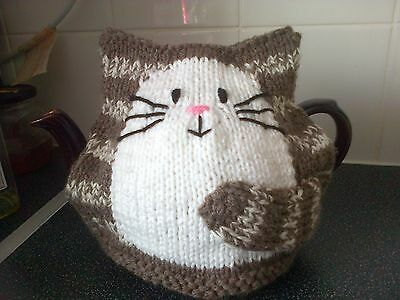 Cat Tea Cosy Hand knitted New choc and cream for 2 pint pot