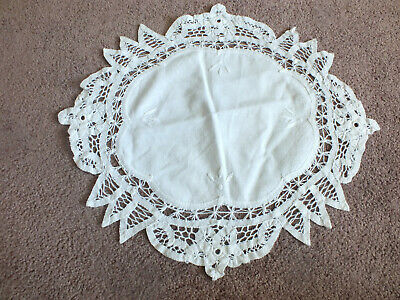 NATIVITY TABLE RUNNER Beautiful Christmas Scene Lovely  70x13 LACE
