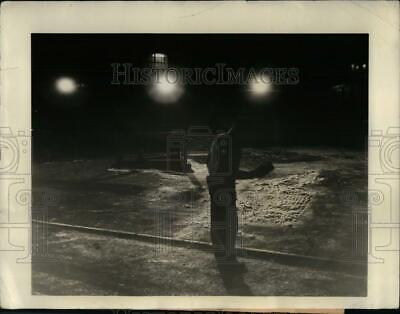 1941 Press Photo Westinghouse Engineers Build Protective Floodlight System