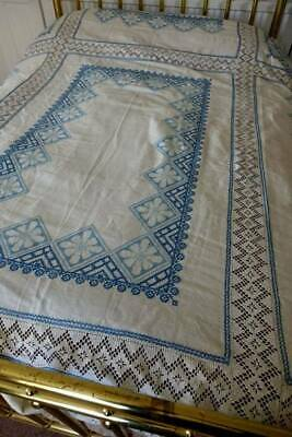 Striking antique UNUSED Irish linen tablecloth or bedspread - embroidery & lace