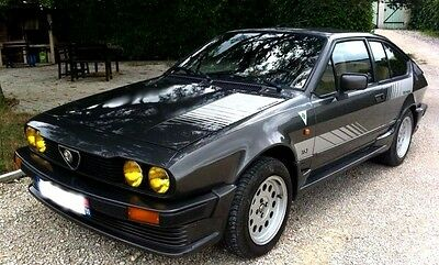 7 AUTOCOLLANTS - ALFA ROMEO GTV 2,0L - 2.5L V6  PRODUCTION de 1984  - NEUFS