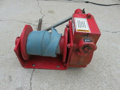 Thern model 472 worm drive hand winch 472 2000 pound load rating look