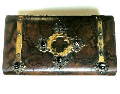 Victorian Burr Walnut Veneered Game Box with Agate Cabachon Mounts