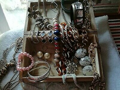 mixed lot of vintage & modern jewellery