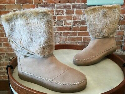 a641eff771f TOMS OXFORD TAN Suede Womens Serra Boots Size 7. Excellent condition ...