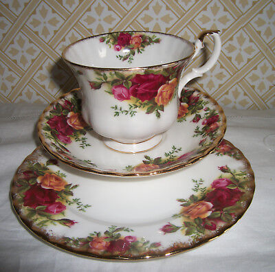 Royal Albert Old Country Roses Tea Cup, Saucer, Tea Plate Trio