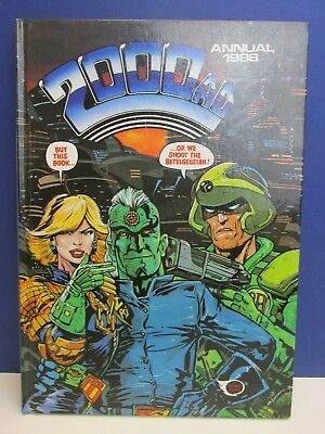 old vintage JUDGE DREDD 2000AD ANNUAL STORY BOOK 1988 HARDBACK fleetway 49z