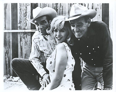 """8X10 PUBLICITY PHOTO CLARK GABLE AND MARILYN MONROE IN /""""THE MISFITS/"""" ZY-450"""