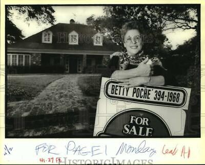 1988 Press Photo Real Estate Agent Betty Poche, 5714 Sutton Place, New Orleans