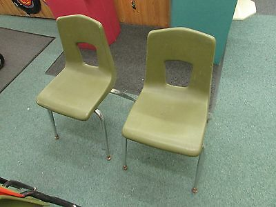 2 VINTAGE ARTCO BELL CO  bucket HARD PLASTIC CHILD CHAIR Mid Century retro GREEN