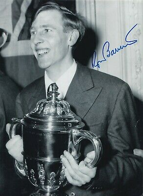 Roger Bannister Hand Signed 10x8 Photo - 4 Minute Mile Olympic Autograph 2.